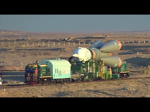 RAW: Soyuz MS-10 mounted on launch pad at Baikonur cosmodrome