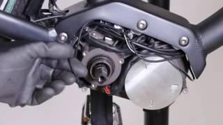 Comment changer le câble display au moteur sur un vélo électrique Elops 940E ?