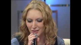 Emine SARI - Live A Capella Performance (Japanese)