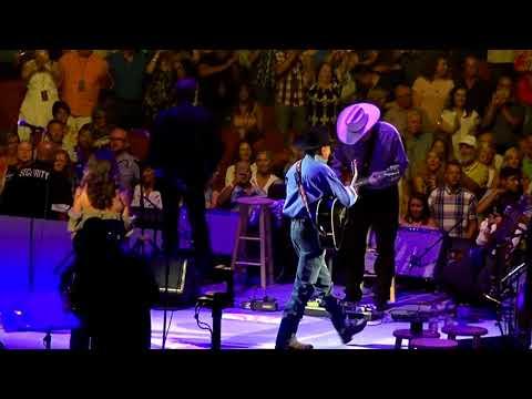 George Strait / Austin, TX  6-3-18   encore - Unwound, The Fireman, All My Ex's