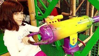 MUITA DIVERSÃO NO PLAYGROUND GRANDÃO ★ Passeio no Bronto's Adventure Playland | Niagara Falls | VLOG