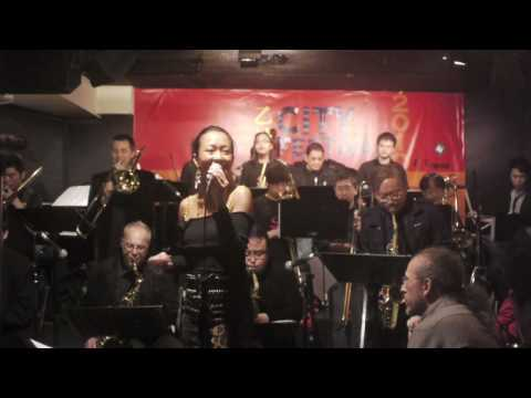 "Ginger Kwun with Saturday Night Jazz Orchestra "" I just found out about love """