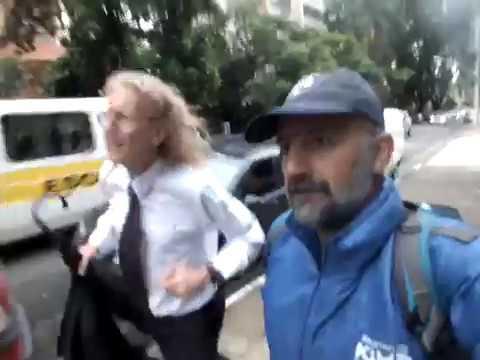 Marcos Viana Pinguim e Roberto Losada Pratti praticando Corrida-Transporte