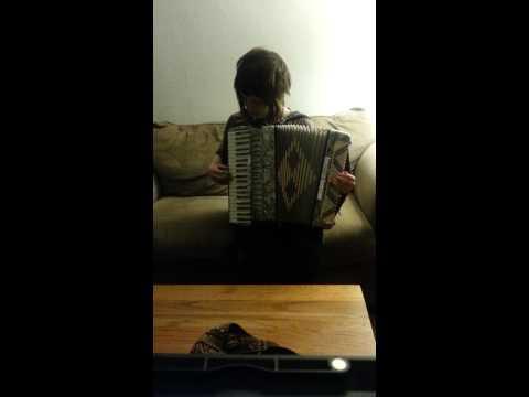 accordion practice - la valse d'amelie