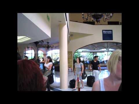 Travel vLog - Guadalajara - Day 29 - Lost episode #2 The Disappearing Camera Magic Trick