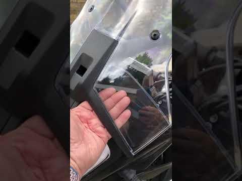 KTM 790 hazard flashers, wind deflector, Bumot luggage