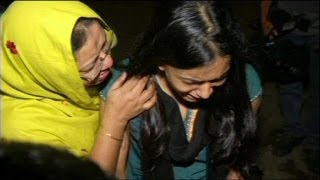 Download Video Bangladesh: deadly factory fire and over 900 dead after Rana Plaza collapse MP3 3GP MP4