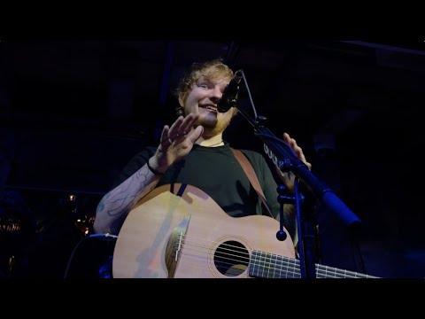 Эд Ширан дал мне ПЯТЬ | Ed Sheeran Private Performance in Austria