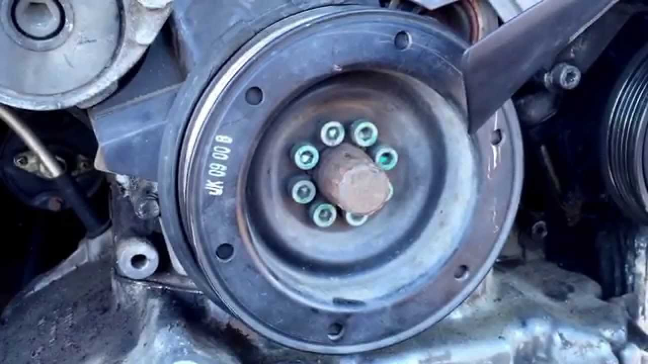 audi a4 crankshaft pulley removal youtube rh youtube com Audi A4 Turbo 2013 Audi A4