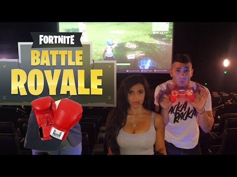 Playing Fortnite in CINEMA Boxing Call Out