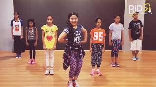 Ahi Umar hai karle galti se mistek ... Full dance show.