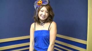 MADD武山、コスプレDJ AKI、TASH村田でお送りしています。 今回のコスプレは・・・んっ、昭和チックなアイドル!?・・・