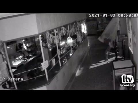 VÍDEO: La secuencia del robo en el Bar Stop de Lucena recogida por las cámaras del local