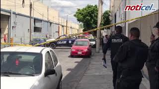 Cadáver en auto colonia La Aurora en Guadalajara
