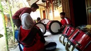 Latihan drumband gita weka smk pgri sooko mojokerto