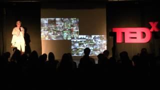 Aby ste boli šťastní, potrebujete ochutnať aj dno aj vrchol | Dušana Mázorová | TEDxYouth@Bratislava