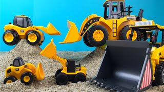 Construction Toys Front Loaders - Small Big Bigger Biggest - Mini Mighty Machines Toys for kids