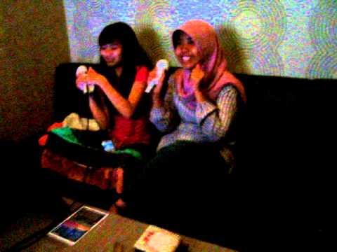 Karaoke Gila