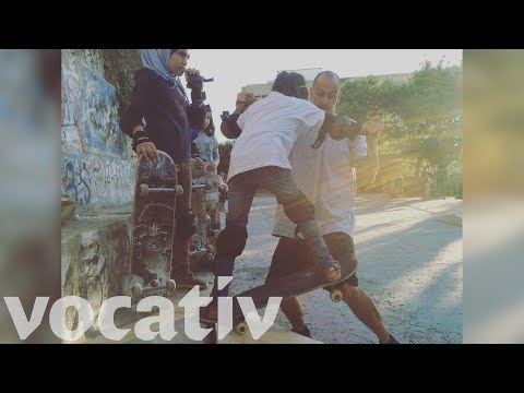 Refugees In Greece Learn Skateboarding To Integrate Into Society