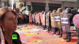Protestas en Barcelona contra una manifestación de apoyo a la Policía Nacional y la Guardia Civil