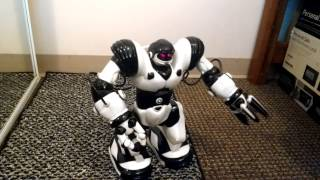 WowWee Robosapien Humanoid Toy Robot Remote Controlled