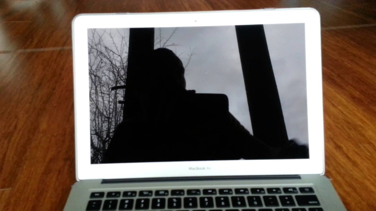 MacBook Air black screen - YouTube