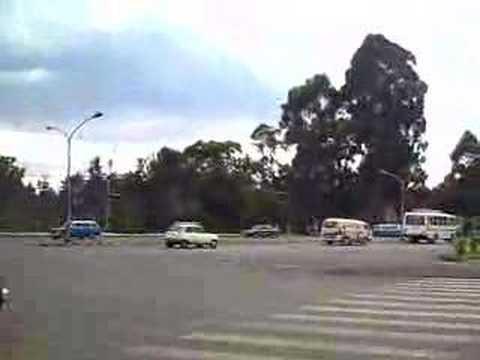 Por la Evenida Menelik II (Addis Abeba Etiopía)