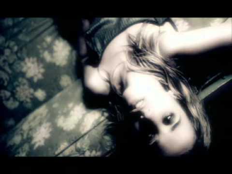 Клип Heather Nova - Heart And Shoulder