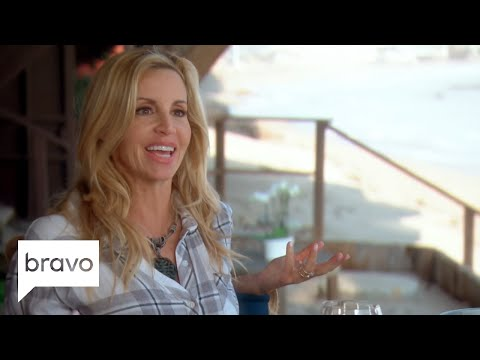 RHOBH: Lisa Rinna Thinks Lisa Vanderpump Had A Face Lift (Season 8, Episode 22) | Bravo