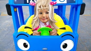 Wheels On The Bus Song Nursery Rhymes for Kids with Alina
