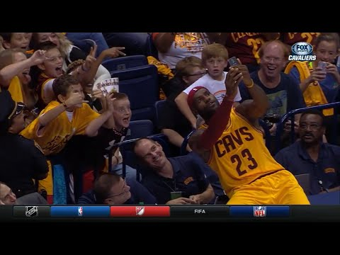 LeBron takes selfie before subbing in