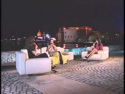 Danna Garcia Cantando En Vivamos La Noche