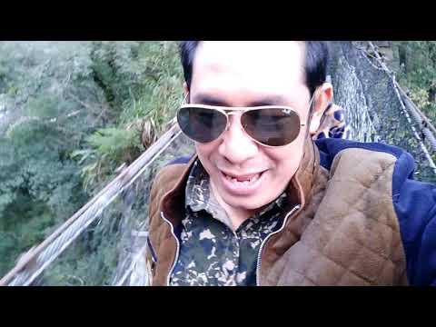 Jembatan tercuram bergoyang2 YUE FEI PAVILION di Xiulin Township, Hualien Country Taiwan....
