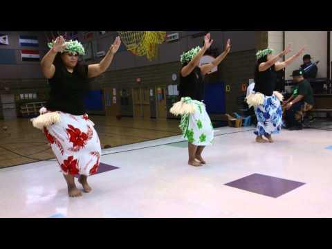 Marae nukuoro dancers