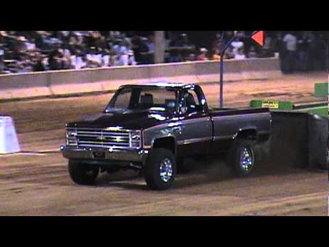 Chevy 2 Truck Pulling In Lebanon Missouri 2009 Youtube