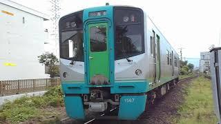 牟岐線海部行き普通列車(1500系)・二軒屋駅を発車