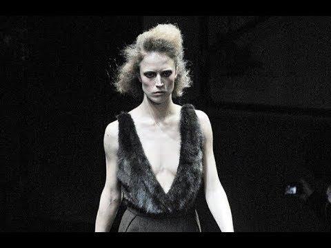 PRADA Fall 2009/2010 Milan - Fashion Channel