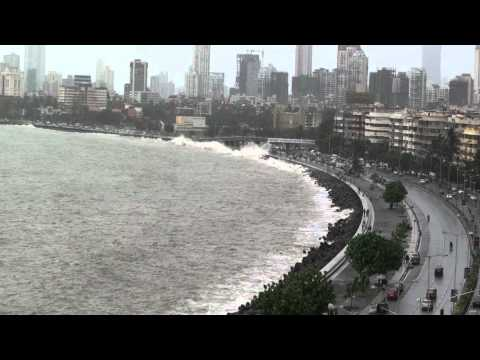 Mumbai Marine Drive 2012 July 6 - high tide!