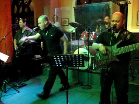 Philippinische Band im Paulaner-Club in Shanghai