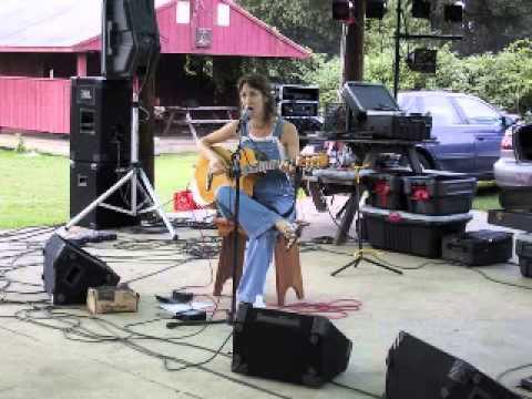 Happy Rhodes live - Ectofest 2000 (Danbury, CT - Sept. 2, 2000)