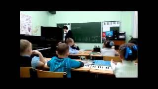 Урок сольфеджио в подготовительном классе. Усвоение понятий метр и ритм.