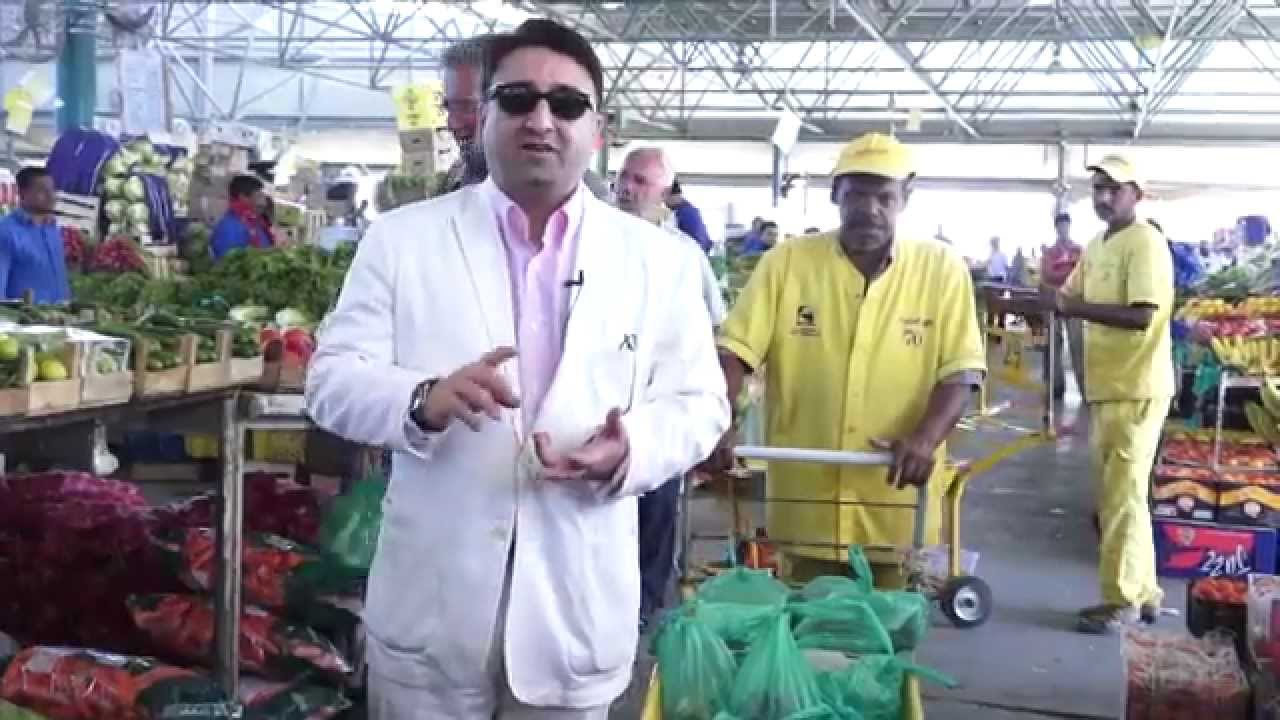 At Dubai Fruit & Vegetable Market picking the right food