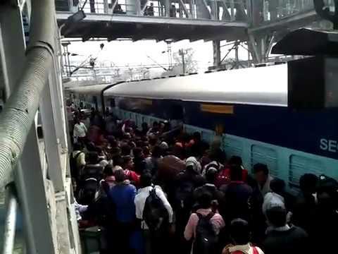 Train rush Indian Railways  Secunderabad Danapur exp General coach at Secunderabad JN station