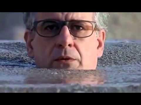 """Essere amici - Scene del film """"Le conseguenze dell'amore"""" di Paolo Sorrentino"""