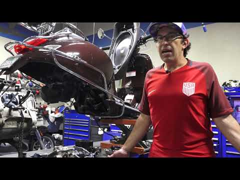 Vespa GTS  Complete Engine Overhaul pt.1 Disassembly