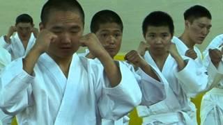 Глава Тувы подарил своим воспитанникам кимоно для боевых искусств