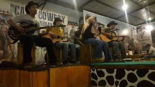 penyanyi kafe hijab viral !! bawain lagu anggur merah    trio elexis    rere    gadis bersuara emas