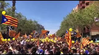 Multitudinaria manifestación en Barcelona por la libertad de los presos del procés