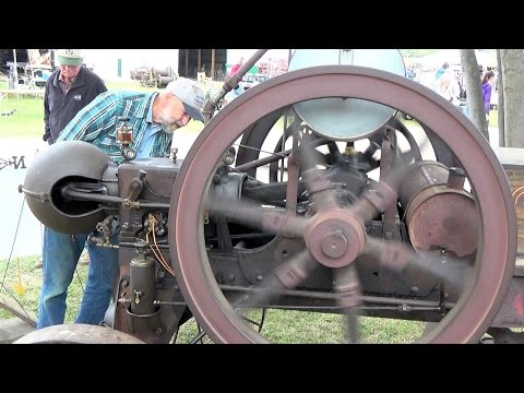 2015 Albany Pioneer Days Gas Engines on Display...