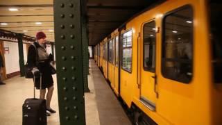 ブダペスト地下鉄1号線 ヴェレシュマルティ広場駅 列車進入, Budapest Line1 Vorosmartyter Station approaching